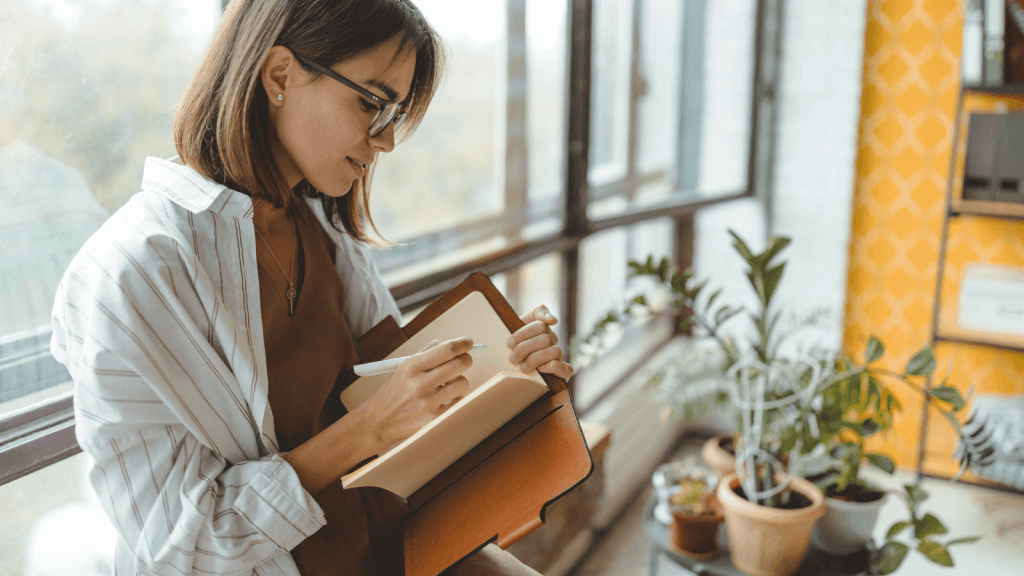 Using journaling techniques to stop procrastinating